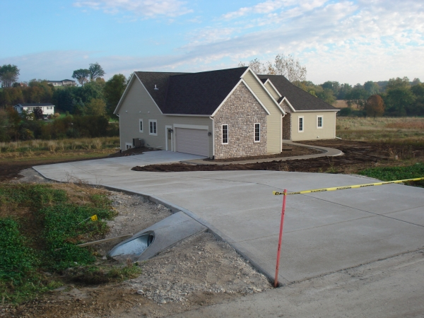 New Berlin Driveway Pouring