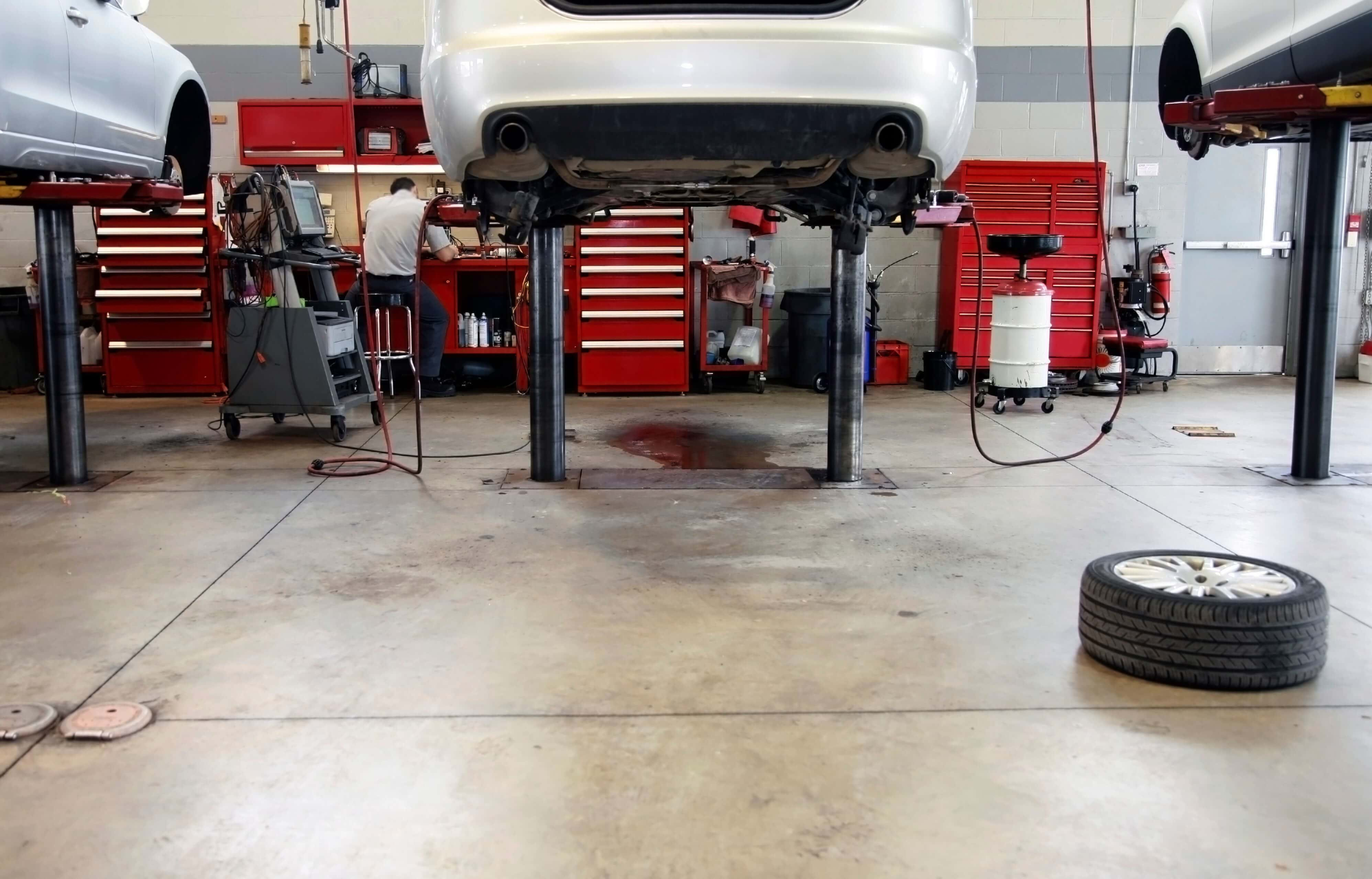 Commercial Garage with Concrete Flooring